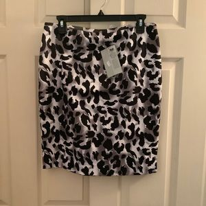 Cache leopard print pencil skirt size 8 NWT